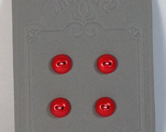 4 Red buttons in plastic 13 mm 2 holes vintage.