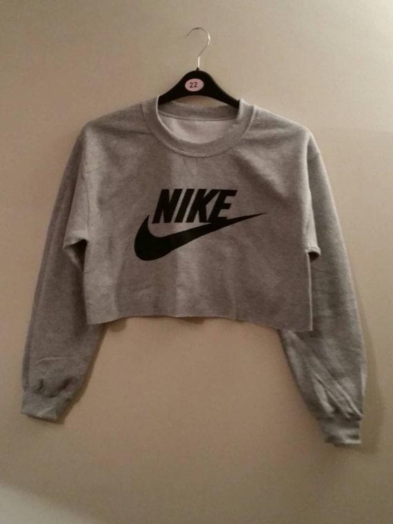 nike crop top hoodie