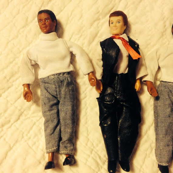 Dolls all men in semi modern dress with an excellent sense
