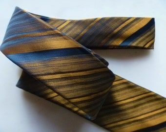 Neck tie, Vintage Silk Wembly Designer Mens Necktie