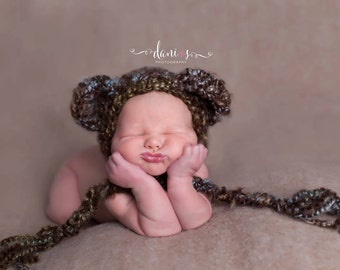 Handmade Baby Bear Bonnet Hat / Newborn Infant Crochet Photo Prop / Perfect Baby Shower Gift / Teddy Bear Outfit