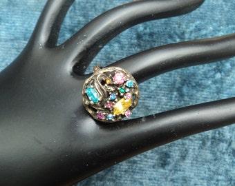 Vintage Florenza Ring Multicolored Rhinestones