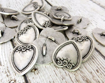 """VICTORIAN FLOWER Heart Buttons Qty 4, 3/4"""" or 20mm Antique Silver, Metal Buttons, Shank Back, Great for Leather Wrap Clasps"""