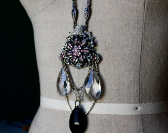 Night Fall's Flower Necklace