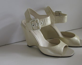 90s Nine West Shoes sz 6.5 B Ivory Wedding Shoes Chunky Wedge Heel Shoes Wide Buckle Ankle Strap