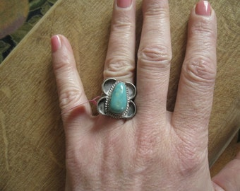 Sterling Silver Southwest Handmade Tribal Turquoise Ring Size 7.5 (255)