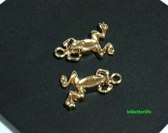 """Lot of 24pcs """"Frog"""" Gold Color Plated Metal Charms. #XX144w."""