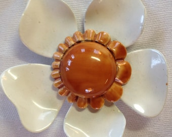 10% OFF SALE Vintage flower Pin/ Brooch White and Brown