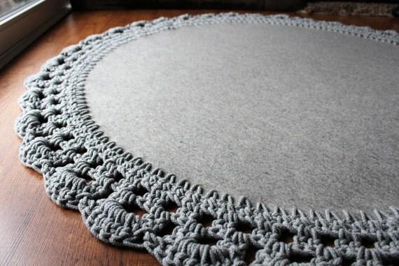 grand rond tapis de laine avec bord de corde de coton. Black Bedroom Furniture Sets. Home Design Ideas