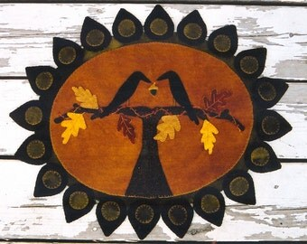Primitive Wool Penny Rug e-Pattern Crow Crows on Branch Sharing Acorn Autumn Leaves Bittersweet