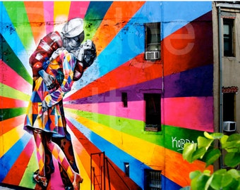 Matted 5x7 or 8x10 Fine Art Photography -Metallic Print Mural of Famous Kiss after WWII off the Highline, NYC