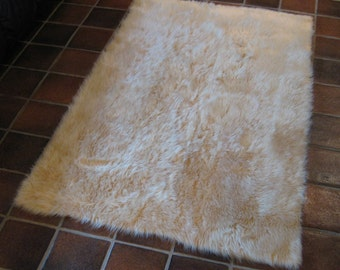 Premium 5' x 8' Beige Faux fur rug non-slip washable Great for all rooms hypoallergenic Soft and Plush