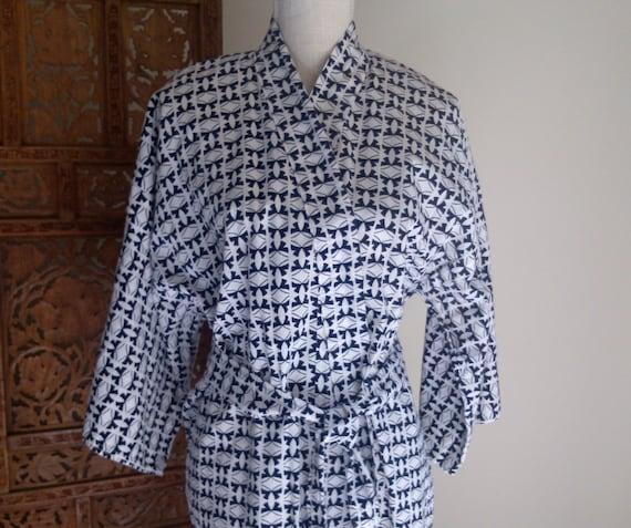 Robe Accommodation: Vintage HOTEL OKURA Japan Black White Asian Cotton Maxi Kimono