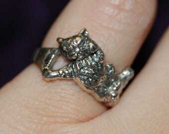 Curled Cuddled Up Sleepy Vintage Artsy Kitty Cat Dome Ring Sterling 925 #BKC-KRNG69