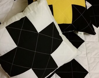 Quilted Throw Pillow // Swiss Cross