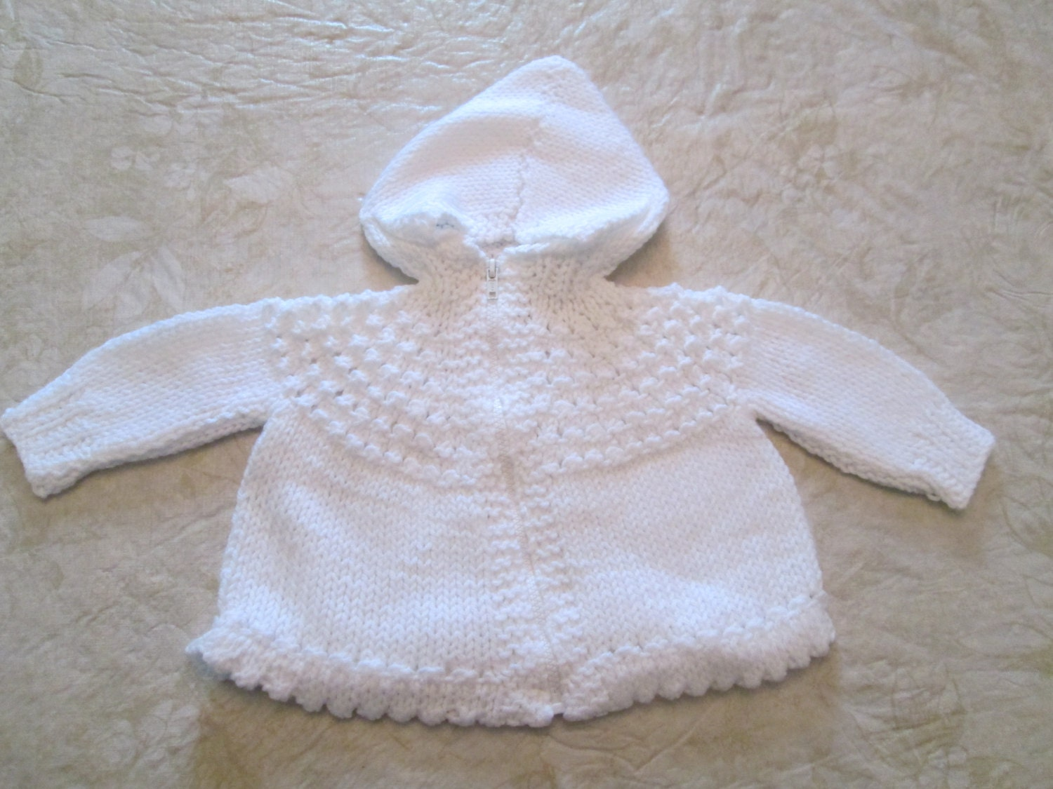 Knitting Pattern For Baby Sweater With Zipper In The Back : Hand Knitted Hooded Baby Sweater with Front Zipper Closure