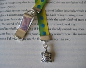 Turtle bookmark with clip - Attach clip to book cover then mark the page with the ribbon. Never lose your bookmark!