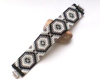 Bracelet - Seed Bead Bracelet - Beaded Bracelet - Black Gray White - Cuff Bracelet - Beadwoven Bracelet - Black White Cuff - Ethnic Style