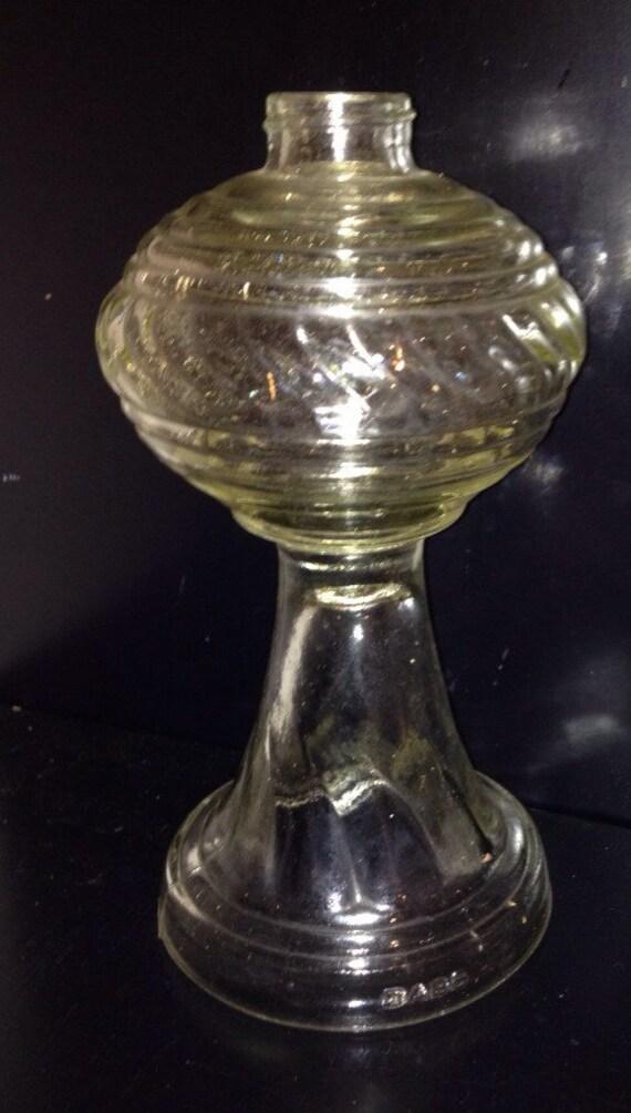 vintage clear glass hurricane oil lamp base dabs swirl design. Black Bedroom Furniture Sets. Home Design Ideas
