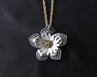 Blooming Kitty necklace