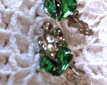 VINTAGE RHINESTONE EARRINGS, 50'S Rhinestone Earrings, Green Rhinestone Earrings, Clear Rhinestone Earrings, Clip-on Rhinestone Earrings