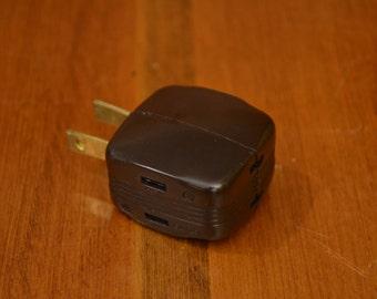 Vintage Bakelite 3-Way Outlet Splitter