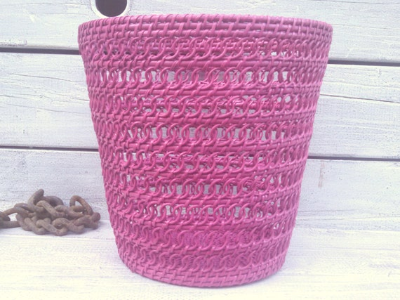 Berry pink basket waste basket woven basket pink trash can for Bedroom waste baskets decorative