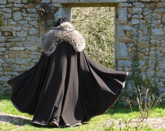 Lordly medieval cloak, for men