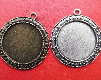30mm Pendant Tray, Bezel Setting, X* Border,30mm Cabochon Tray - Antique Bronze,Antique Silver