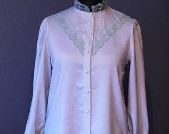Vintage lace trim blouse / Size M-L