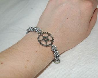Steampunk gearwheel aluminium chainmaille bracelet