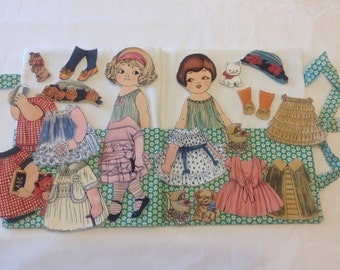 Fabric 'Paper' doll play set - green flower case