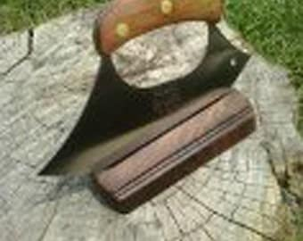 Ulu with wooden handle and custom stand