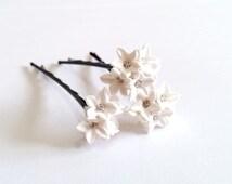 Small White flower Hair Clips. White Wedding flower. Hair Accessory. Wedding Hair Pins. Bridal. Set