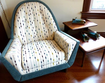 Mid Century Club Lounge Chair in the manner of Adrian Pearsall