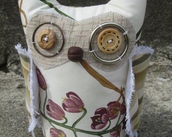 """9"""" Floral Garden Owl"""