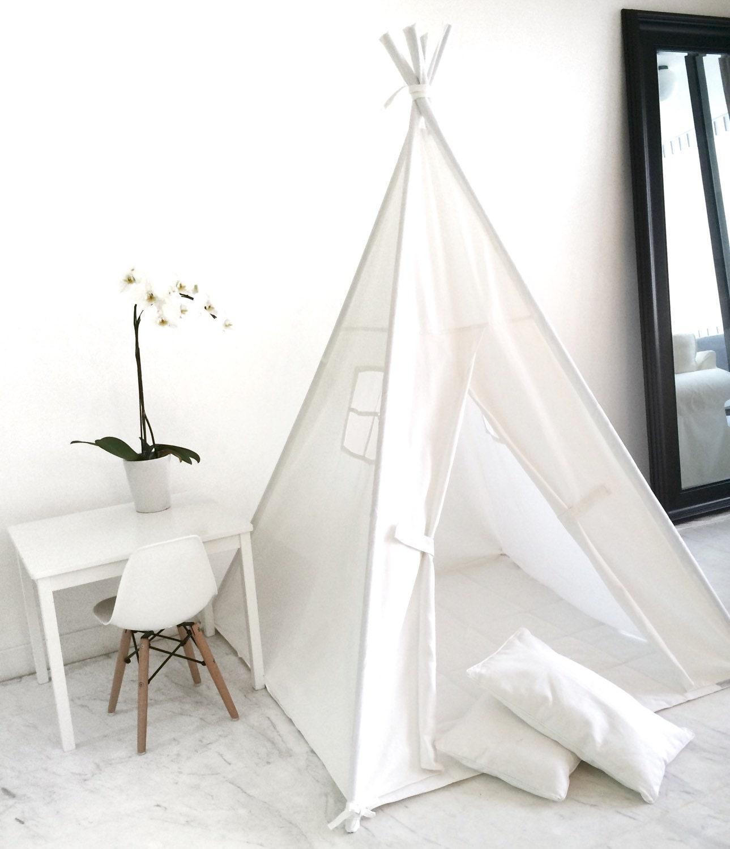 jouer tente tipi fait la main des enfants pour les enfants. Black Bedroom Furniture Sets. Home Design Ideas