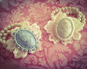 Bracelet with cameo - pearl bracelet, white cameo, silver cameo, romantic bracelet, style Shabby Chic
