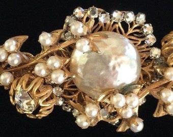 Beautiful Vintage Miriam Haskell Brooch Pin~Pearls/Crystals/Goldtone Filigree