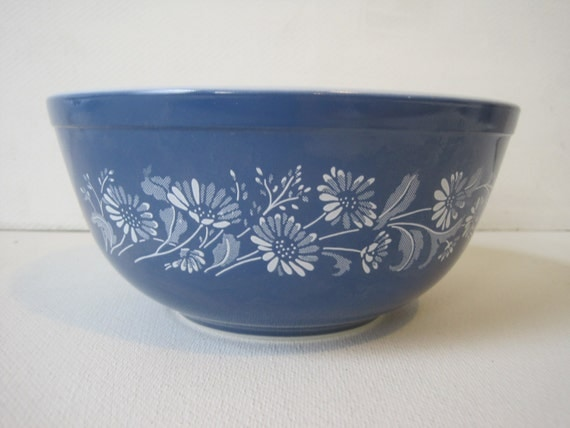 Pyrex Blue Floral Mixing Serving Bowl 403 Size