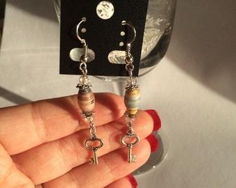 New HandMade Paper Bead Dangle Earrings Gift Birthday Christmas