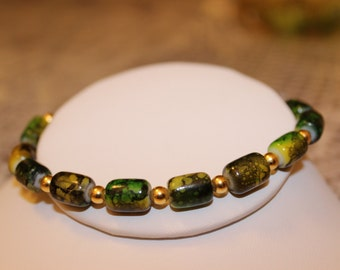 Green Beaded Bracelet with Gold-Plated Spacers