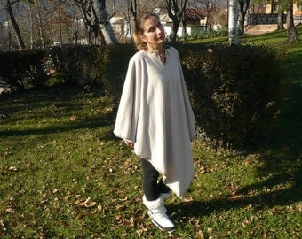 Elven cashmere poncho with decorative seam of chunky wool yarn,Medieval tunic,Stylish coat of durty white