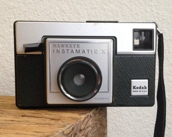 Vintage 70's Kodak Hawkeye Instamatic X Camera - Film Still Inside