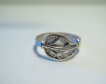 Gorgeous sterling silver filigree ring-Hand made-Solid Silver 925 Ring size 8 US-READY to SHIP!
