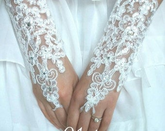 Bridal Gloves - Floral Gloves - Lace Flower Gloves - Wedding Gloves - Wedding Accessory - French Lace Gloves - White Lace Gloves