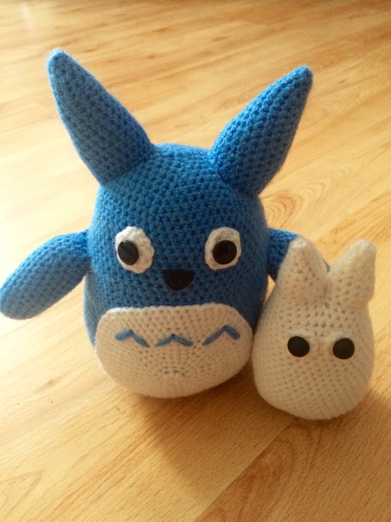 White Totoro Amigurumi : Blue and White Totoro Amigurumi
