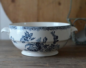 vintage French Fontanges blue and white transferware tureen