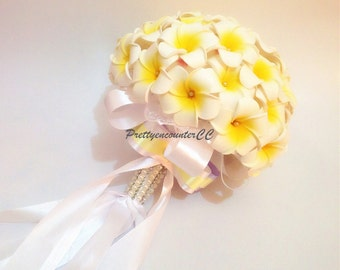 Shining Gold Yellow Wedding Bouquet Wedding Flowers Handmade Flowers Bridal Bouquet or Bridesmaid Bouquet with Satin Ribbons Beading Pearls