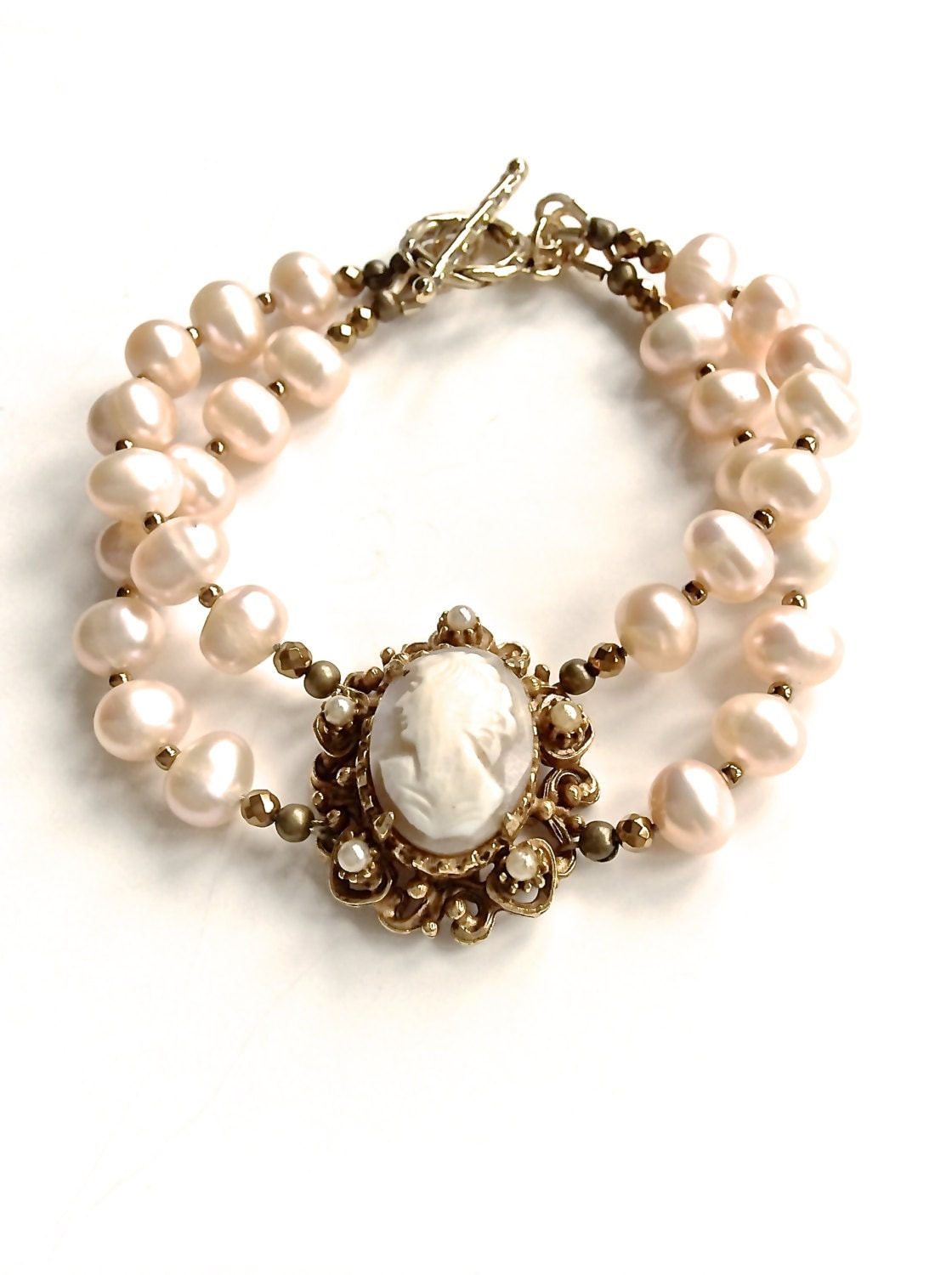 cameo shell bracelet classic vintage blush pearls vintage